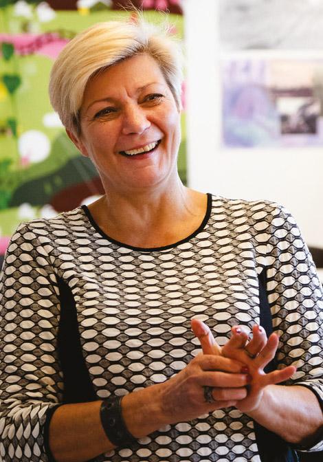 Hanna Savanna, NVC-kouluttaja, CNVC Certified Trainer, rakentava vuorovaikutus, työnohjaus, konfliktit työyhteisössä